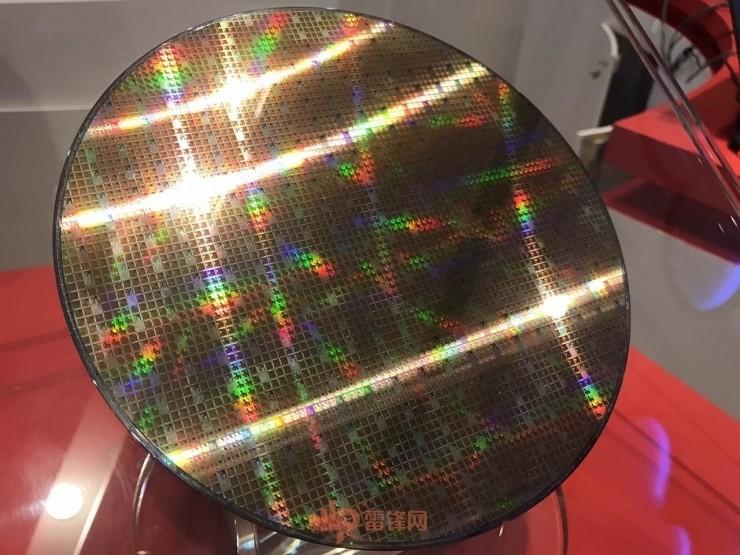 龙芯推出新一代处理器,离 Intel 还有多大差距?