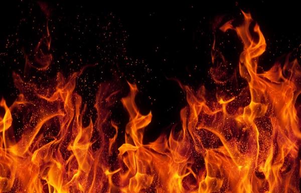 中国研发出超级隔热材料:两面温差1500度!