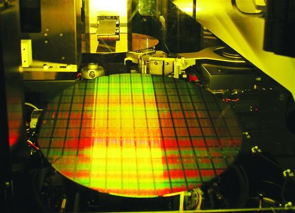 爆料称:中芯国际将在年底前启动12nm FinFET工艺试产