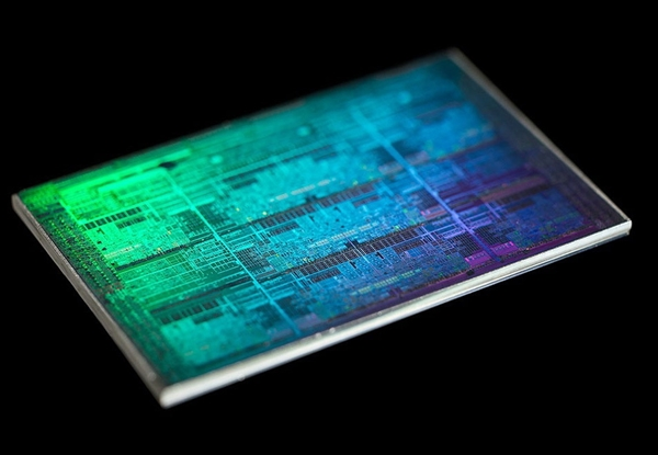 CEO司睿博:Intel 7nm处理器2021年Q4到来、堪比友商5nm