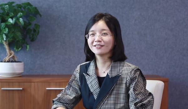 32岁清华女教授获奖百万!曾研制出世界首台咽拭子采样机器人